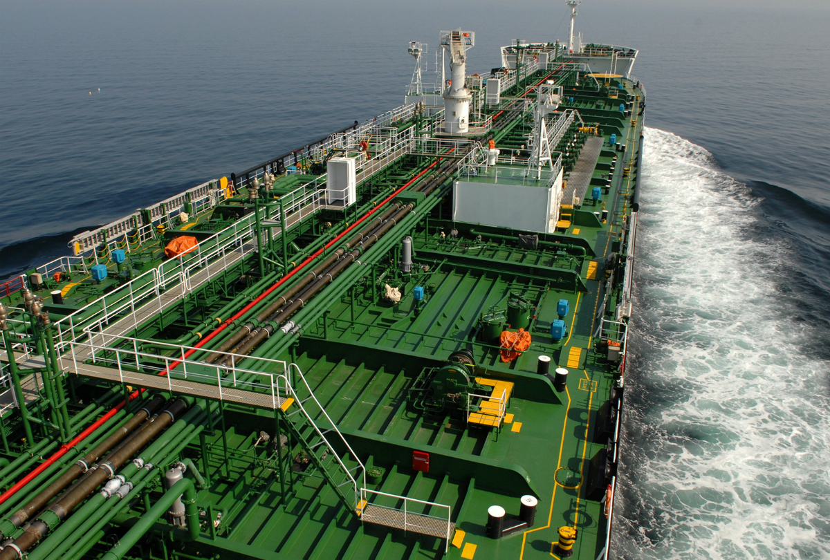 Oil tanker 1200x810