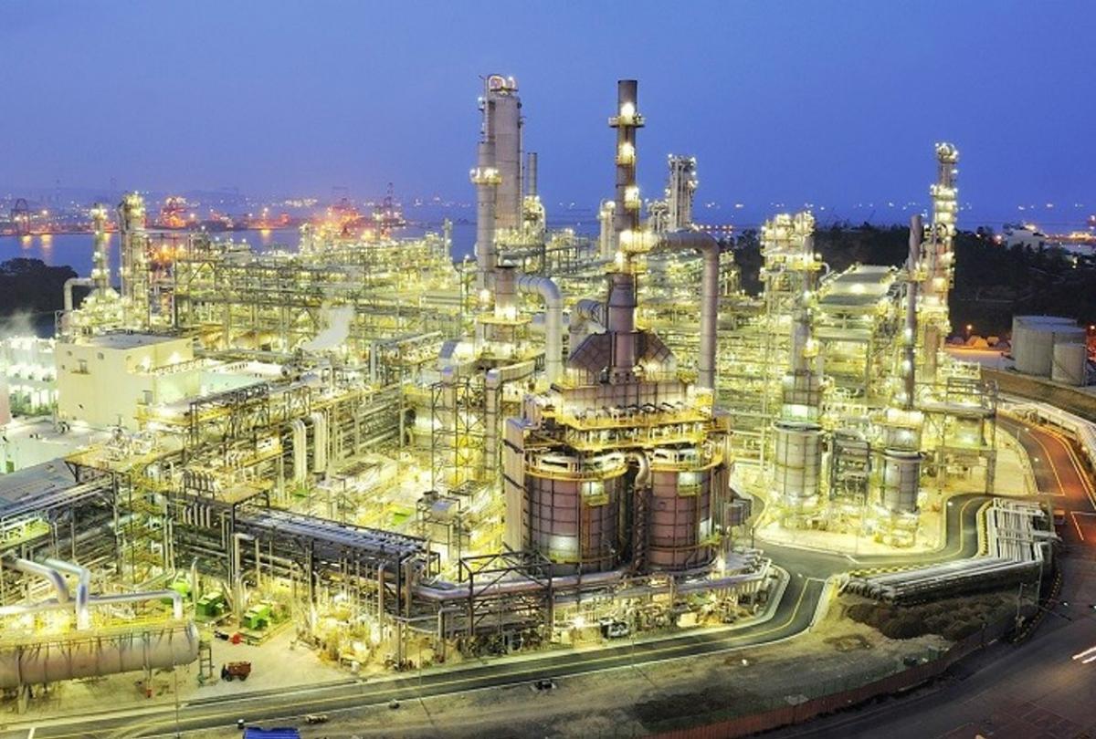 Saudi aramco refinery linkedin 1200x810